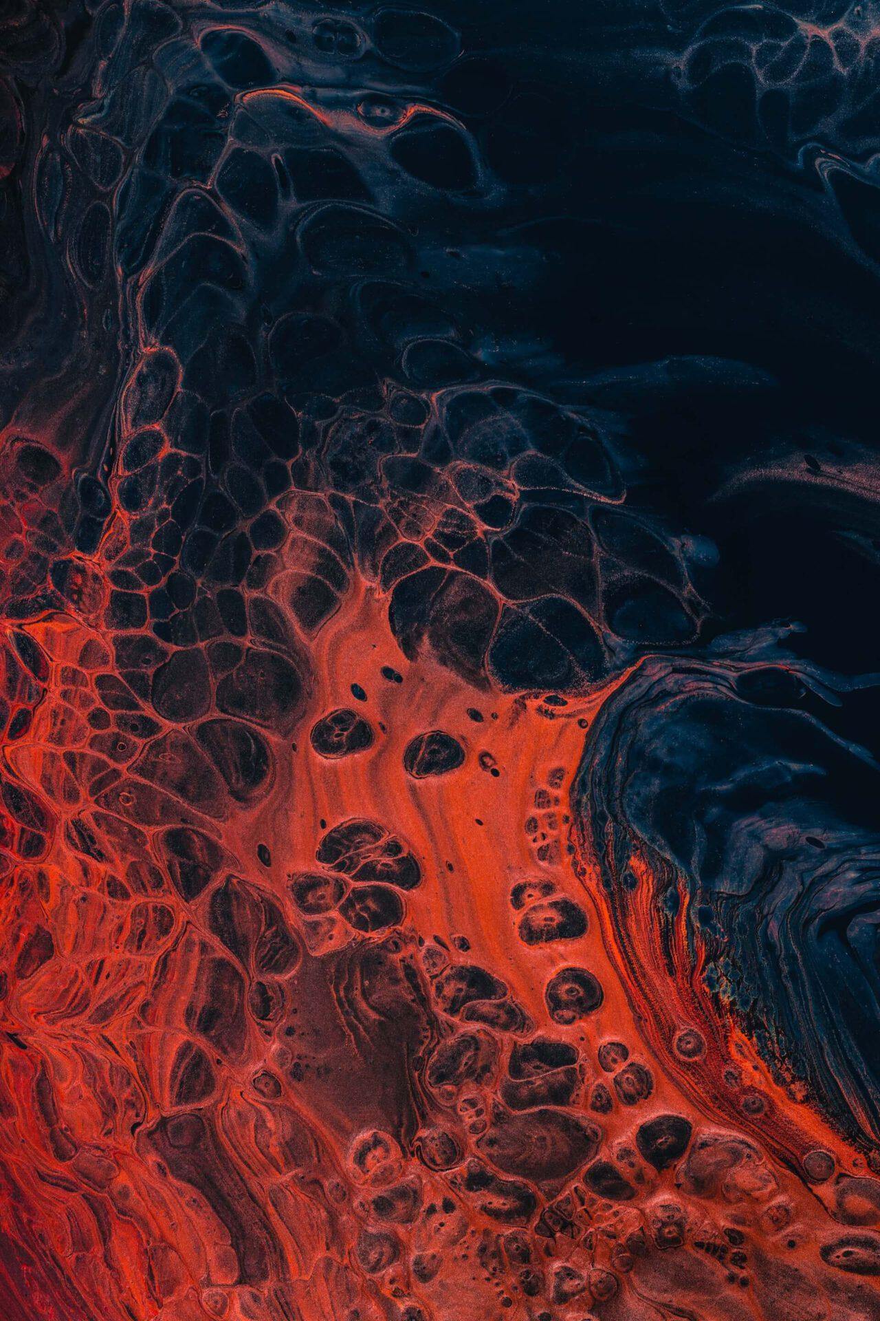 Rotschwarzer Lavastrom